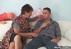 मोज़ा में एक पतली लड़की एक गैंगबैंग मूवी सेक्सी बीएफ में कई अजनबियों के शुक्राणु के नीचे अपना मुंह डालती है