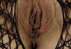 लंबे पैरों वाला एक गोरा पुरुषों की गेंदों को चाटता है और उनके साथ फुल सेक्सी मूवी नेपाली दो छेदों में चुदाई करता है